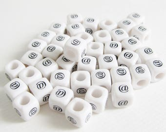 "40 beads cube synthetic at sign symbol ""@"" 7 mm"