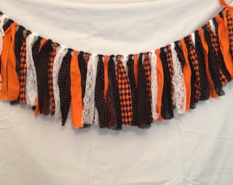 Halloween Garland/Plaid Garland/Halloween Decorations/All Hallow's Eve Decor/Orange Garland/Black Garland/Halloween Party Decor/Autumn Decor