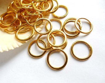 25 Gold Plated Closed Jump Rings - 14mm - 8-11