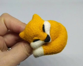 Wool orange fox brooch for lovers of animals Felting cute fox pin brooch Forest animals gift fox jewelry Needle felted fox for kids