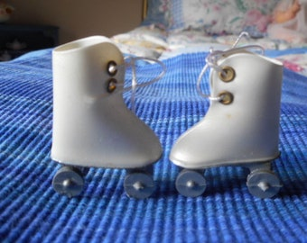 Ideal Tammy Doll's Roller Skates and Carry Case