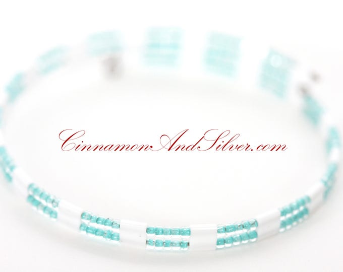 Sea Green and White Seed Bead Adjustable Memory Wire Bangle Bracelet, Mint Green Memory Wire Bracelet, Mint Coil Wrap Seed Bead Bracelet