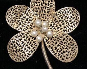 Vintage Kramer Gold Tone Faux Pearls Flower Pin Brooch Pin