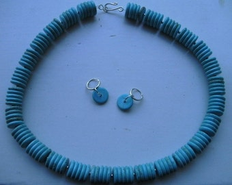 Turquoise round necklace with earrings