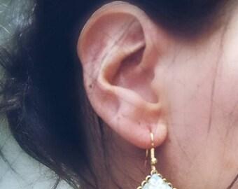 Tachikata 立方 Origami paper earrings
