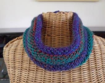 snood knitted with wool of many colors