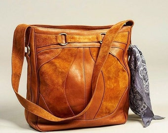 COPENHAGEN. Leather bucket bag / tan leather bag / boho leather shoulder bag / large leather bag. Available in different leather colors.