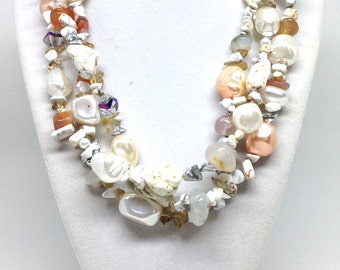 Alluring Crystal Lucite Stone Beaded Vintage Estate Necklace