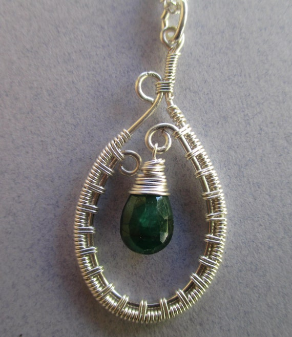 Emeral Woven Wire Pendant Necklace N47186