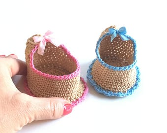 Miniature baby cradle, handmade, several colours 1/12 (one in) scale