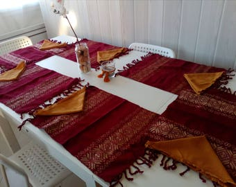 Set of napkins and Table