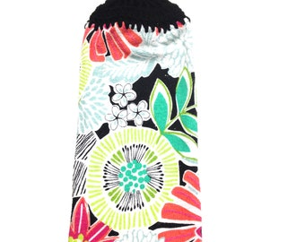 Blume-Handtuch mit schwarzen Gehäkelte Top