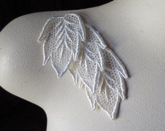 3 IVORY Leaves  Lace Applique Leaves for Bridal, Boutonnieres, Jewelry, Headbands, Applique, Costumes