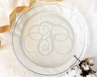 Monogrammed Pie Dish Monogrammed Pie Plate Custom Pie Dish Newlywed Bridal Shower Engagement Gift Monogram Glass Dish : custom pie plate - pezcame.com