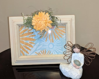 Dahlia Accented Wood Picture Frame