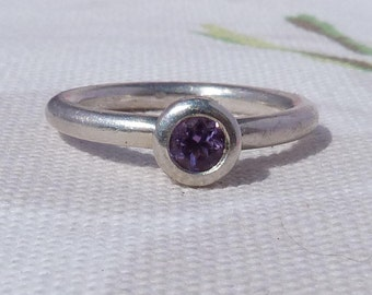 Amethyst Solitaire Ring, Sterling Silver Amethyst Ring, Amethyst Stacking Ring, Purple Stone Ring, Boho RIng, Silver Ring, Chunky RIng