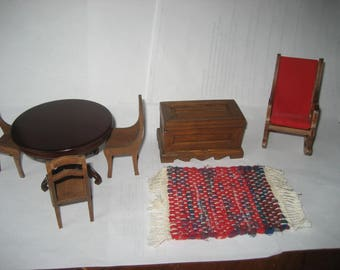Dollhouse vintage furniture (7 pieces)