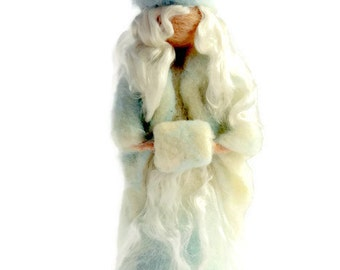 Needle Felted Winter Maiden/Winter Nature Table/Waldorf Fairy/Winter Fairy/Ice Queen/Winter Lady/Waldorf Holiday/Christmas Decor/Holiday