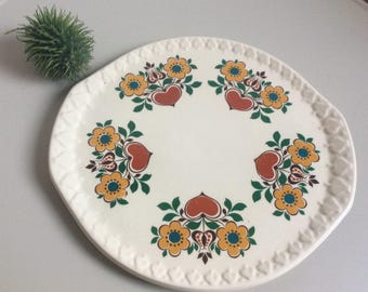 Cute ceramic cake plate east german hearts and flowers