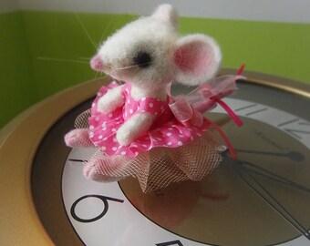 Needle felted mouse figure, Felt mouse doll, miniature mouse, Cute mouse, Little mouse, felted animals, soft sculpture