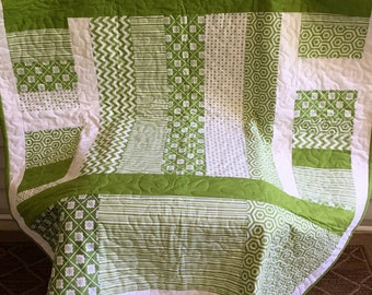 Baby quilt, play mat, modern, nursery, green, white