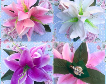 Summer lilly hair flowers