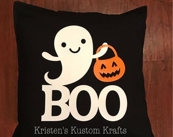 "20"" x 20"" Halloween throw pillow"