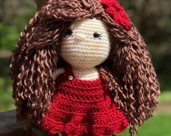 Amigurimi girl doll