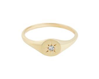 Diamond Star Circle 14kt Gold Signet
