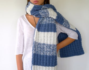 Chunky knit scarf in blue and white | Double sided scarf | Blue and white striped scarf | Reversible knit scarf