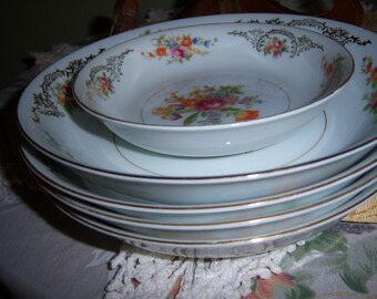Vintage Four Soup Bowls and One Dessert Dish Aichia China made in Occupied Japan Bright Colored Flowers with Gold Trim