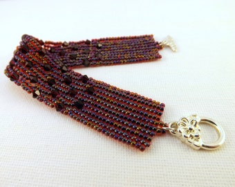 Herringbone Bracelet / Beaded Bracelet in Ruby and Red Garnet / Seed Bead Bracelet / Sparkly Bracelet / One of a Kind Bracelet