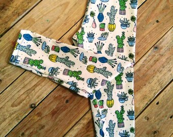 Cactus leggings made with organic cotton jersey