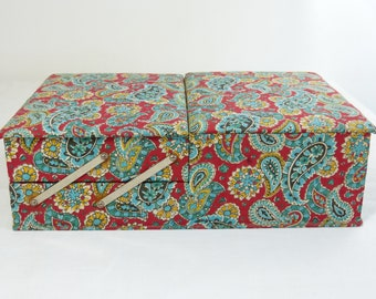 Red & turquoise paisley flower fabric AU BON MARCHÉ sewing box - mid century foldable needlecraft storage - French 50s vintage