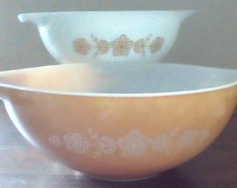 Vintage Pyrex Cinderella mixing bowls 443 and 444 Butterfly Gold pattern, Vintage Pyrex  Gold or Orange and White, Vintage serving
