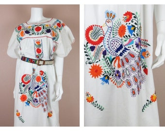 Vintage 1970s Cinco de Mayo Dress  / Mexican, Oaxacan / Embroidered / Peacock Hand Embroidery / One Size, S, M, L / White Cotton