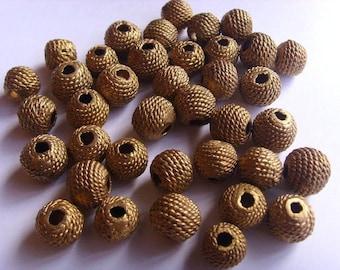 8 beads African brass BB31