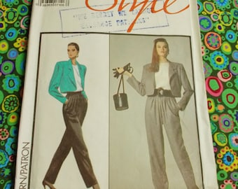 """Style Sewing Pattern - Michael Kors - 1988 -  Woman's outfit -  Size 12 bust 34""""  - Mpn 1389 - Unused & factory folded"""