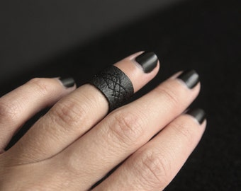 Black ring/Vegan Leather/Faux leather band/Vegan ring/Minimalist ring/Simple ring/gift for her/gift for him/Punk goth/Black leather