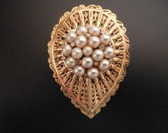 Vintage Avante Pear Shaped Gold Tone Faux White Pearl Rhinestone Pin Brooch
