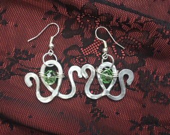 Aluminium hammered wire earrings with Czech crystals