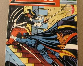 ZORRO POCHE MENSUEL 1975, Zorro book, vintage book Collectible Comic Book