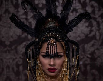 Black Orchid, Headdress