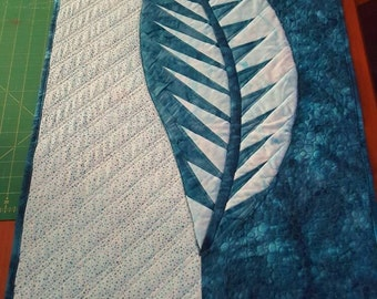 One Leaf by Judy Niemeyer Handmade Quilted Table Runner
