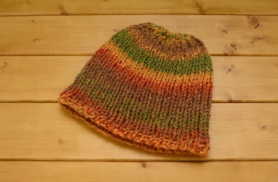 Adult's fall colours knitted ribbed hat