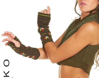 ARM WARMERS, ASSORTEd colours, wrist warmers, fingerless gloves, HIPPy GLOVEs, muffs, Jewwpe
