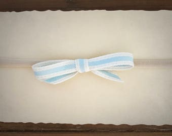 Baby girl headband / blue and white bow / baby shower gift / infant bow / toddler bow / newborn photoshoot prop / Easter bow / baby blue