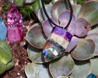 Orgonite® Pendant - Crystal Point - Orgone Generator® - Depression - Crystals - Handmade - EMF Protection - Quartz - GoodVibes - HoodXHippie