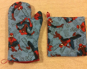Spiderman Oven Mitts and Hot Pads