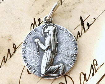 Sterling Silver St Bernadette in Prayer Medal - Patron of sick people - Antique Reproduction